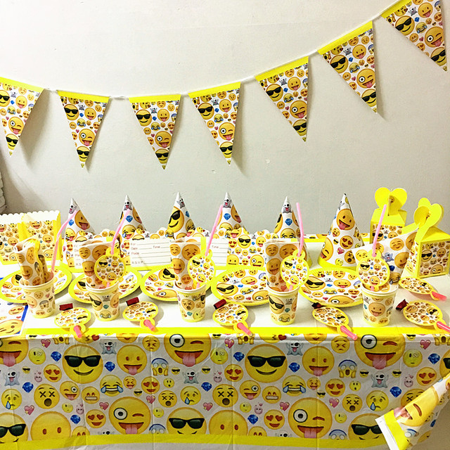 86PCS LOT EMOJI BIRTHDAY PARTY SET DESIGN PLATES CUPS KIDS DECORATION SETS