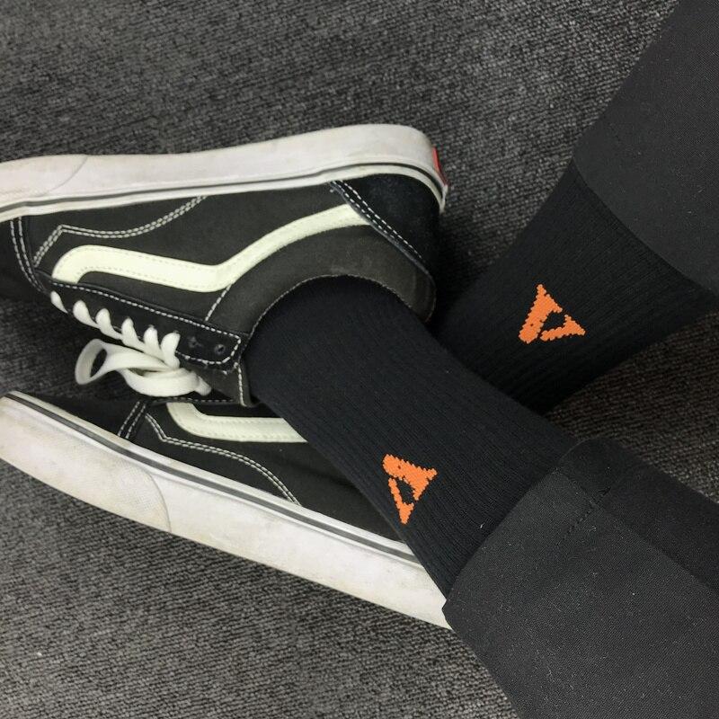 V Letter Long Socks 2018 Men Women Cotton Socks Winter Kanye West Hip Hop Harajuku Black Orange Thick Skateboard IACB Store