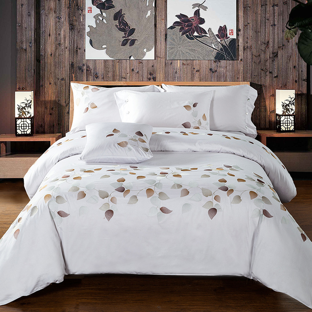 Genial 4pcs Luxury 100% Cotton White Satin Bed Linen With Leaves Embroidered  Buttons Duvet Cover
