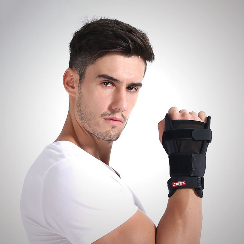 1 pcs Carpal Medical Wrist Support Fitness anti-twisting Forearm Splint Adjustable Breathable Wrist Support Brace Medical Arm