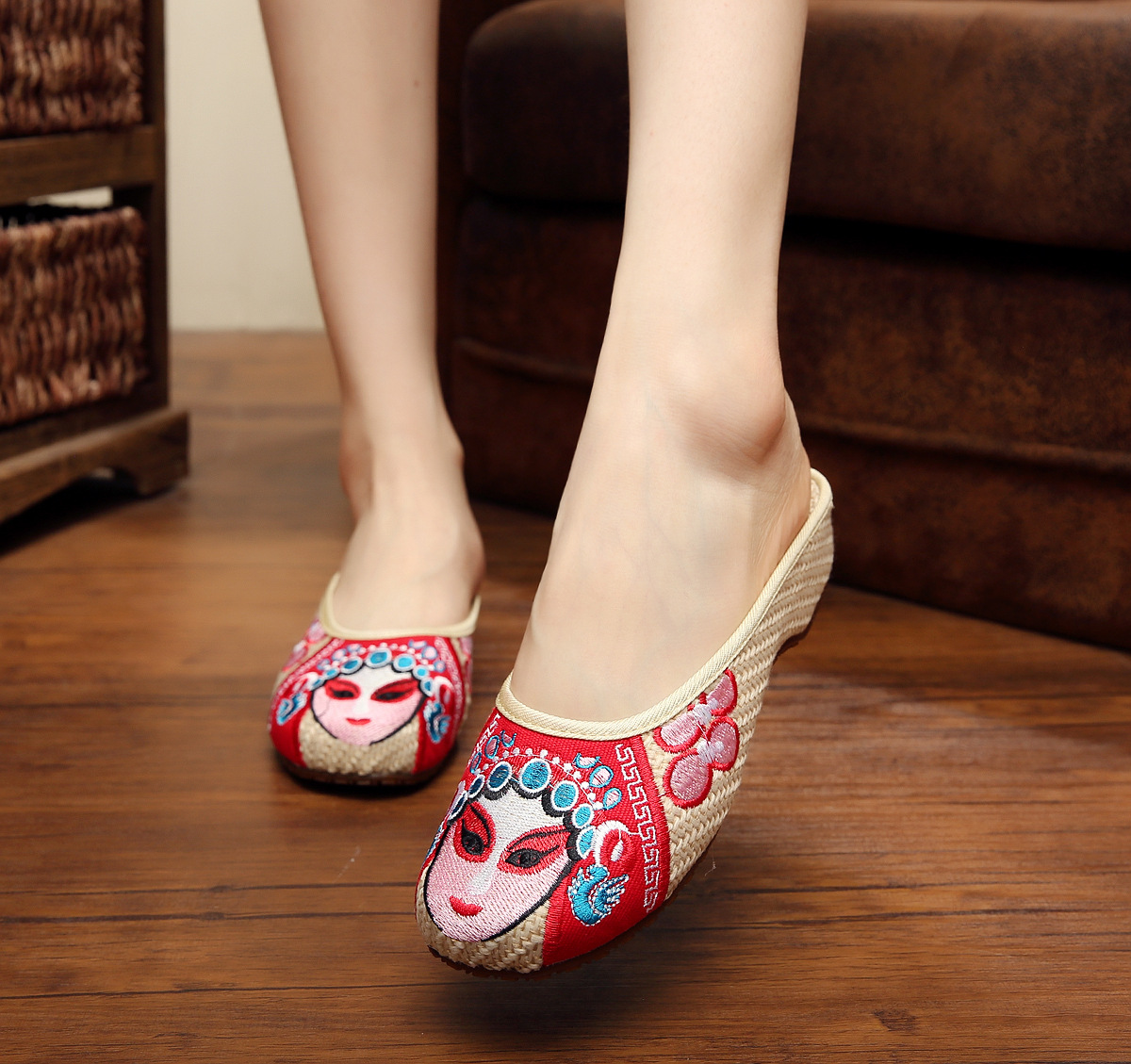 Sandals shoes facebook - Facebook Embroidery Slippers Summer Fashion Women Sandals Chinese Old Peking Casual Slippers Facebook Sandals Shoes Smyxhx