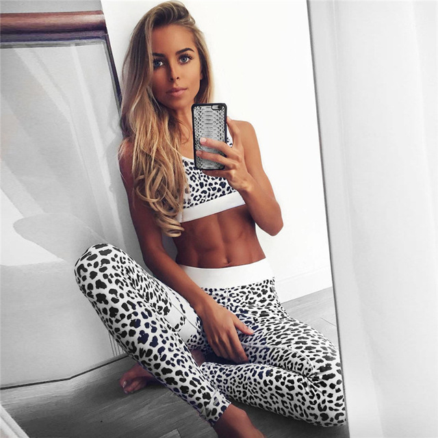 Crop Tank Top And Legging Pants 2 Pieces Set Summer Fashion Ladies Sexy Workout Leopard Printed Tracksuit 1