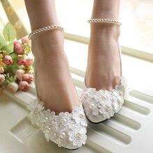 Correa de la manera perla de la flor de La Boda de encaje Blanco Zapatos de Novia Zapatos de dama de Honor Zapatos de tacón bajo de 5 cm de gran tamaño 41-42
