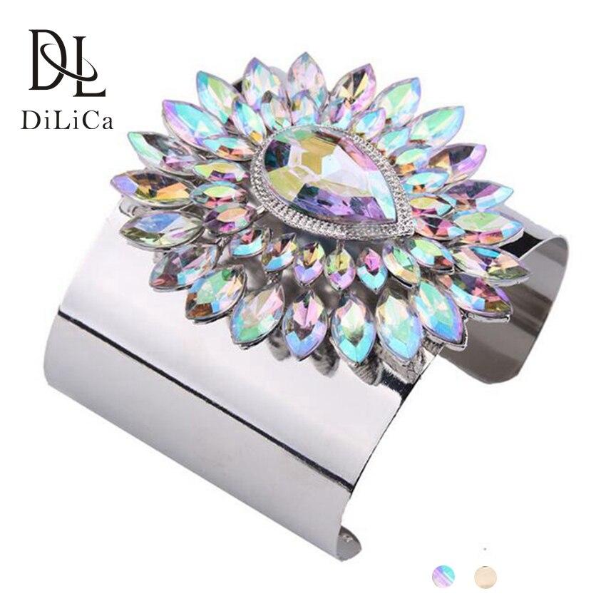 DiLiCa Mode Femmes Cristal Bracelets Fleur Large Manchette En Métal  Bracelet Bracelet Costume Bijoux Poignet Chaîne Or Argent Couleur 2f41e829764