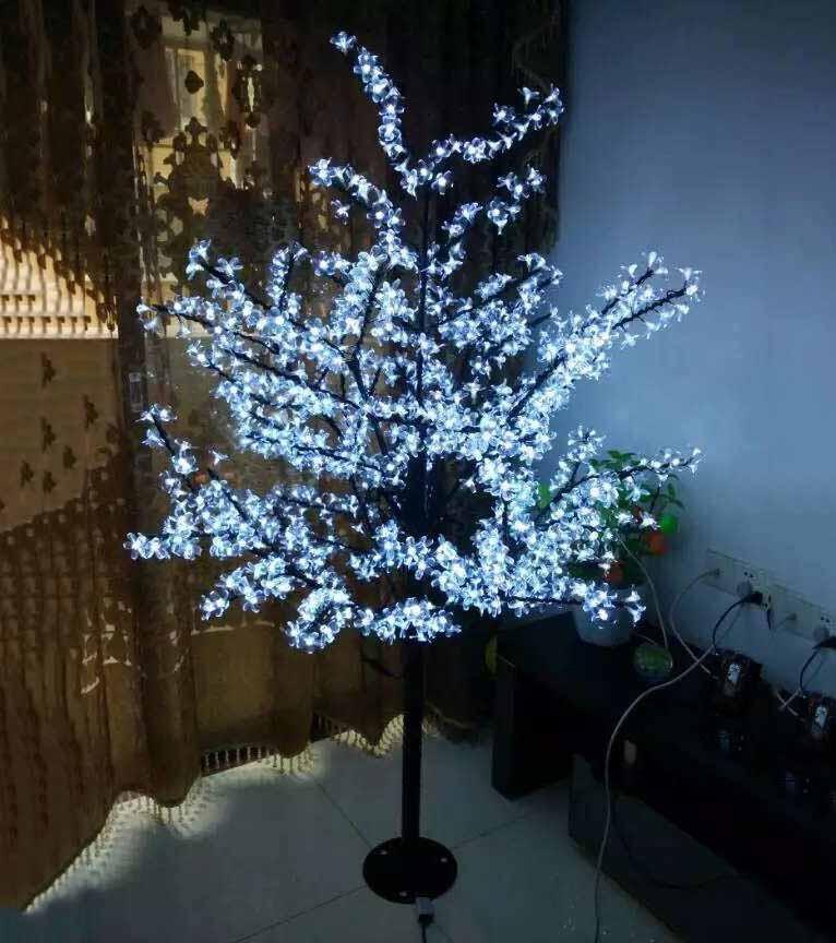 LED tree light (34)