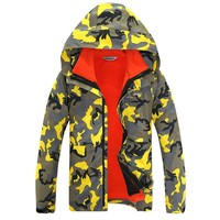 2015 New Fashion Mountain Skiing Winter Waterproof Hiking Outdoor Jacket Snow Jacket Male And Female Models