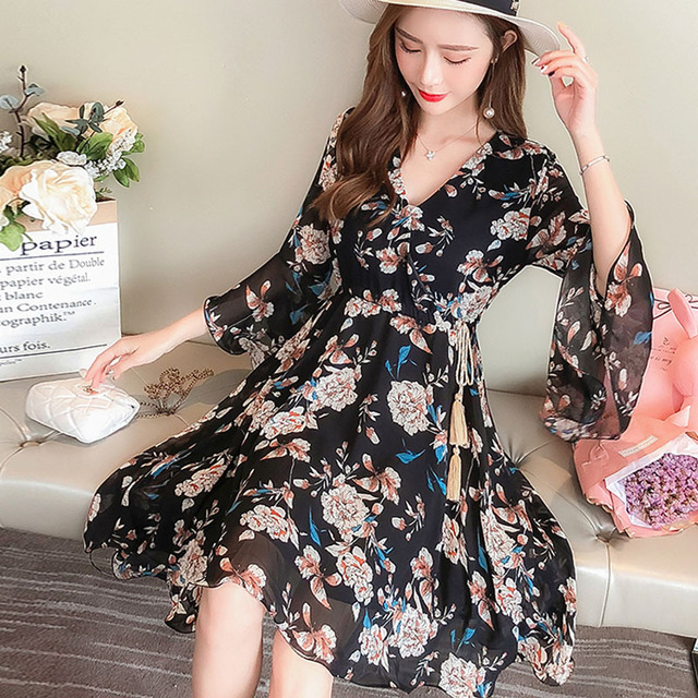 fc4b7682441 2018 Slim fat fairy summer new large size women s clothing thin thin age to  belly dress