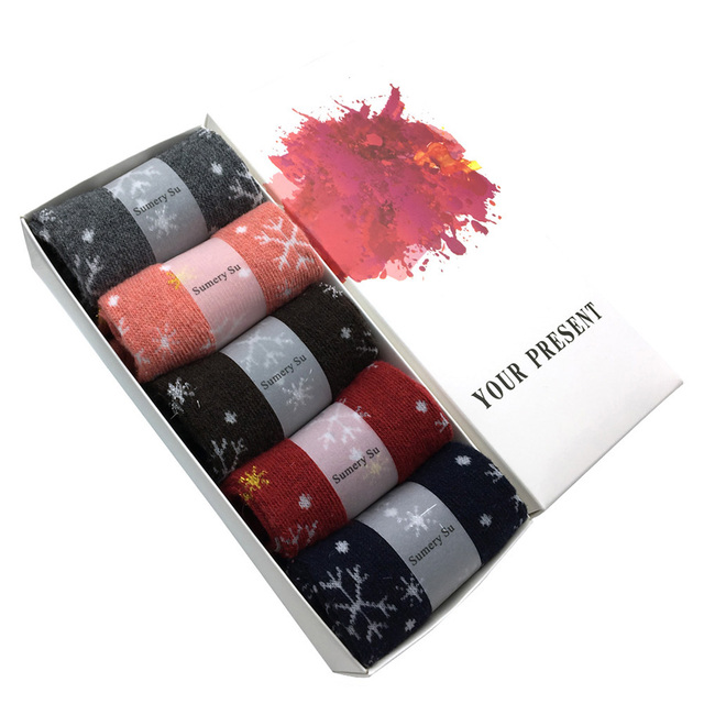 5 Pairs/Lot Wool Socks Women Winter Snow Flower Pattern Cashmere Warm Socks Ladies Girls Christmas Gift