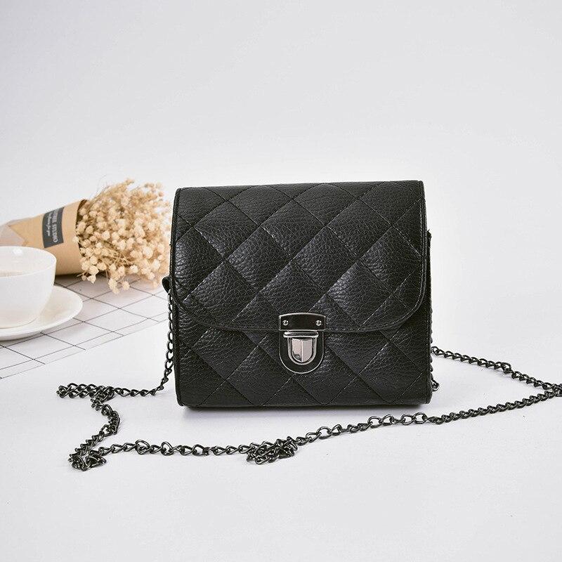 2018 Women's Messenger bag embroidery thread plug lock square small square bag simple fashion bag 0721