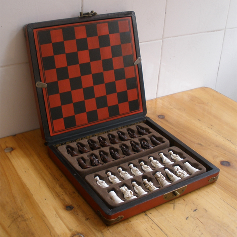 New Antique Chess Set Of Chess Wooden Coffee Table Antique Miniature Chess  Board Chess Pieces Move Box Set Retro Style Lifelike