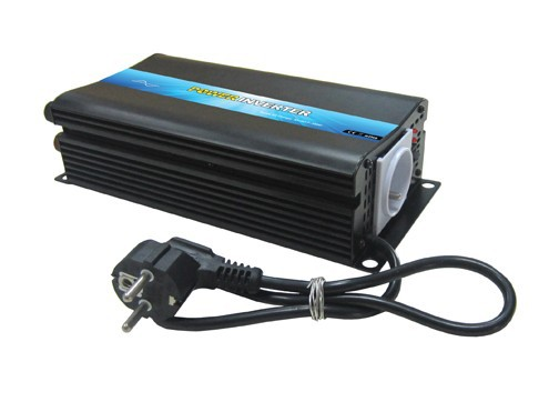 300W DC12V to AC110V Off-Grid Solar Inverter Built-in Battery Charger 12v5a Made in China