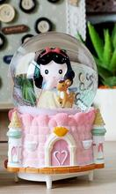 Romantic rose lovers with a light spring type snow crystal ball ball music box music box handicrafts