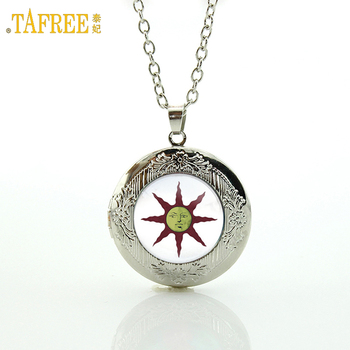 TAFREE Dark Souls Solaire of Astora Sun locket pendant necklace solar system galaxy planet nebula Glass Dome Photo jewelry N597 image