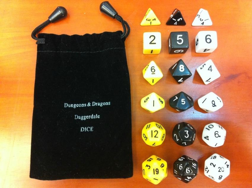 Д&Г 18 коцке тробојног сета (Д4, Д6, Д8, Д10 (1-10), Д12, Д20 свака од 3 коцке)