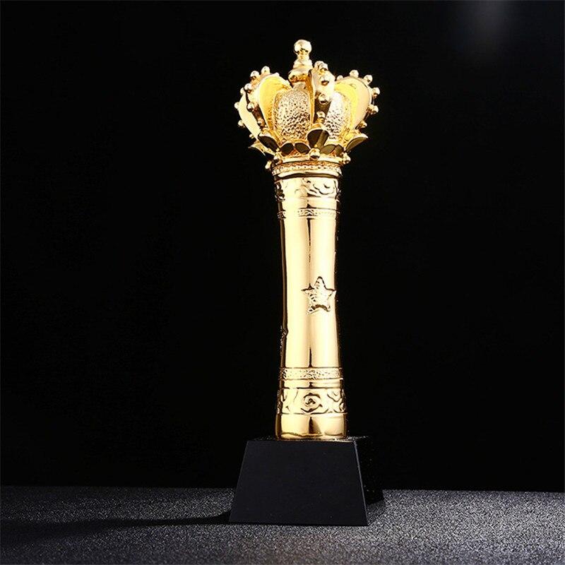 Trophée créatif en forme de couronne Statue placage coupe trophée prix avec Base de cristal trophées artisanat Souvenir R1676