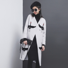 [TWOTWINSTYLE] 2017 Winter Crane Embroidery Long Sleeve Thick Wool Coat Women New Fashion