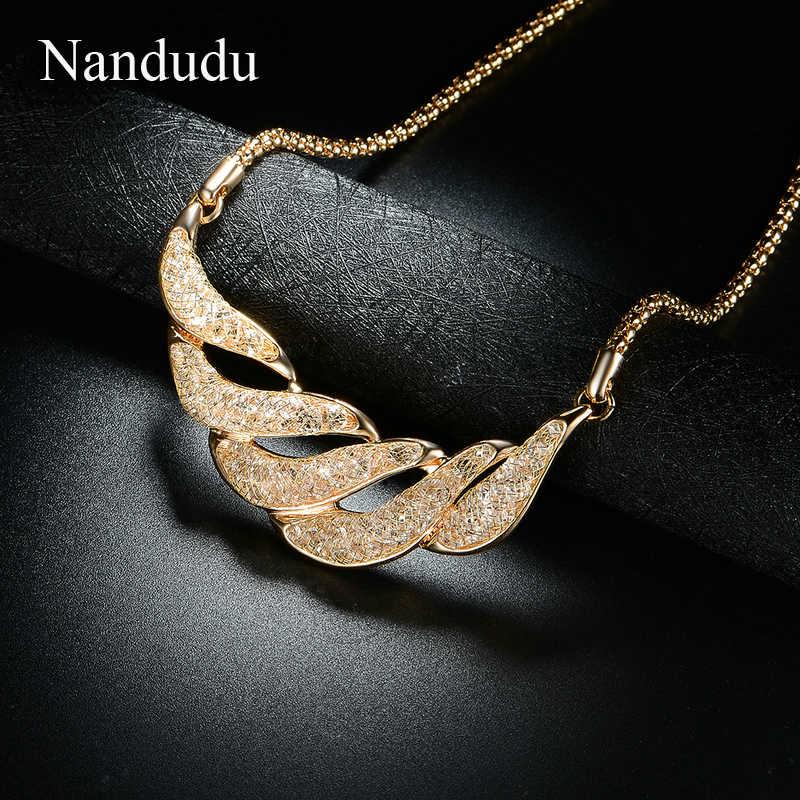 Nandudu nouveau Design fil maille rempli cristal pendentif collier pour femmes or maille collier Noble bijoux accessoires CN344