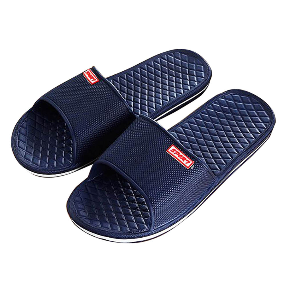 2018 New Men Shoes Solid Flat Bath Slippers Summer Sandals Indoor & Outdoor Slippers Casual Men Non-Slip Flip Flops Beach Shoes men s slippers beach sea leisure shoes non slip bottom of the massage indoor and outdoor take a shower sandals hot selling