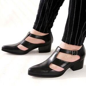 Męskie sandały 5 cm wysokie obcasy męskie buty w stylu casual szpiczasty nosek prawdziwej skóry sandalias letnie moda klamra pasek skórzane sandały