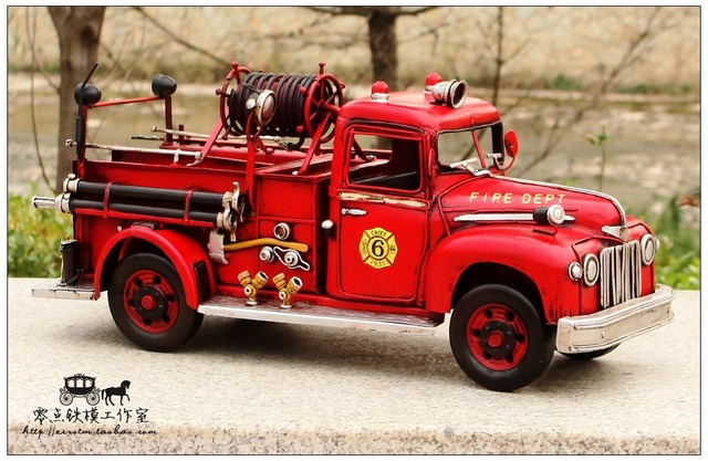 Retro Metal Craft Ornaments Vintage Fire Truck Model Antique Iron Birthday
