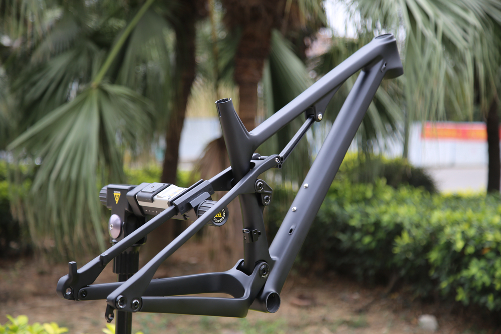 CARBON-SUSPENSION-BIKE-FRAME16