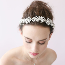 European and American Simple Handmade Wedding Dress White Flower Bridal Headbands Hair Accessories Bride Headdress O020