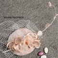 2017 Nuevo Diseño Coreano Rosa de Encaje de La Boda Velo Sombrero Fascinator Sombrero superior Del Clip de la Pluma Blanca Vel Novia Headwear de Lino horquillas