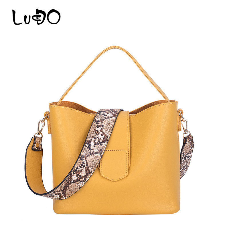 Fashion Women Leather Handbags Casual Crossbody Bags Female Larger Capacity Crossbody Messenger Bag Serpentine Strap Totes Bolsa(China)