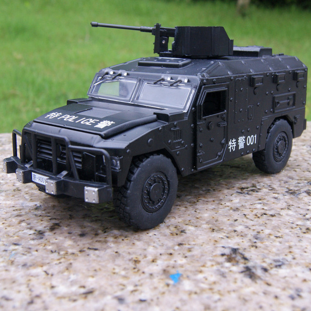 Candice guo alloy car model regimental police man delicate Military vehicle plastic motor acousto-optic pull back birthday gift