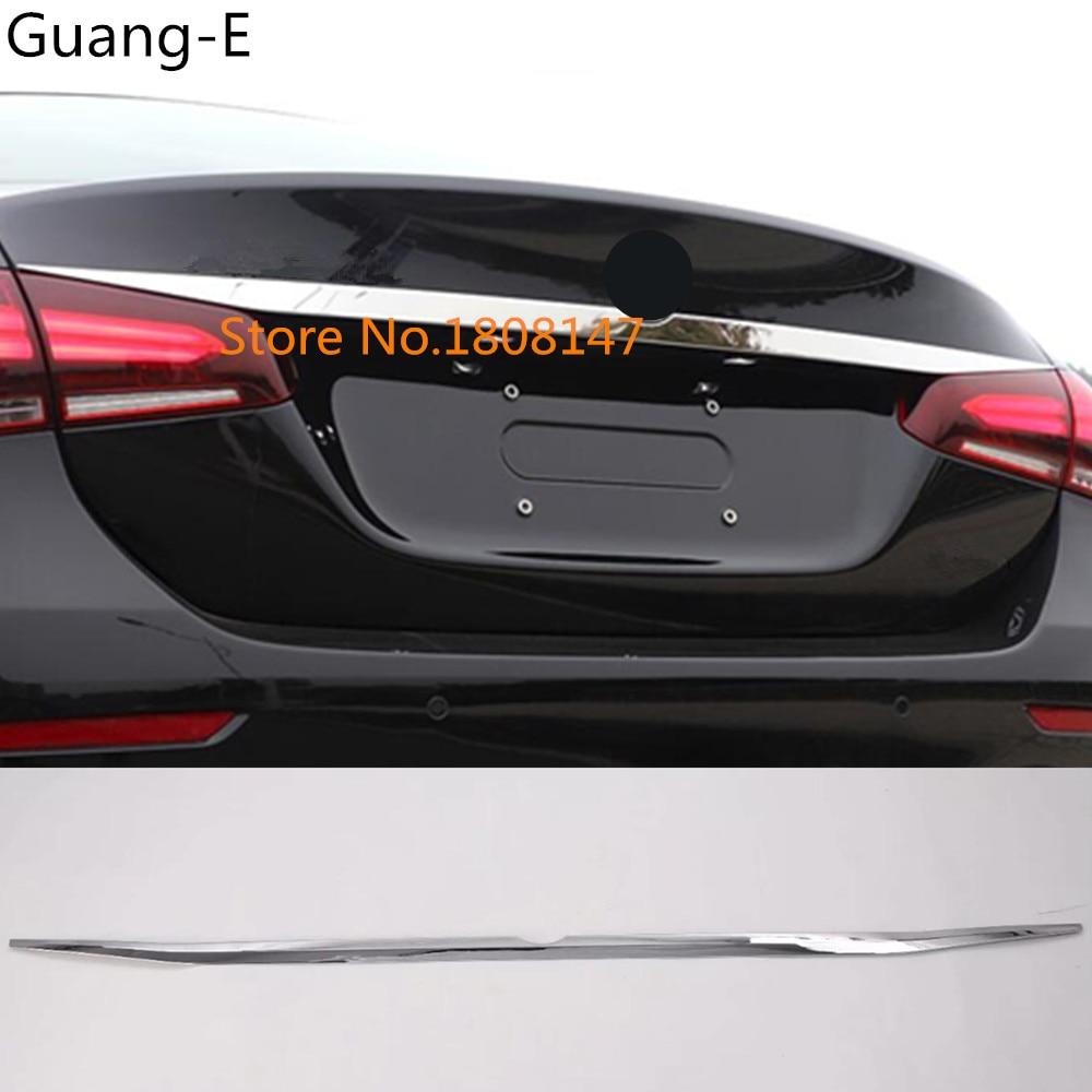 Garniture de plaque de cadre de hayon de coffre de porte arrière d'acier inoxydable de voiture pour Mercedes Benz une classe W177 A180 A200 A250 2019 2020