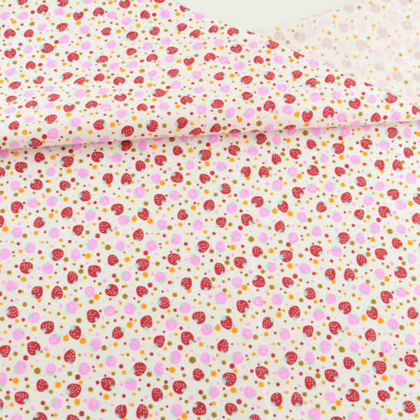 Lovely Red and Pink Strawberry Designs Home Textile Cotton Fabric Fat Quarter Tida Tecido Sewing Doll Cloth Teramile Fabrics CM