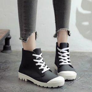 Image 3 - SWYIVY kobieta kalosze wysokie trampki jesień 2018 kobieta PVC moda Rainboots obuwie płaskie Lady Wellies kalosze 40