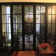 Металлические и стеклянные двери оцинкованные стальные окна сверху Сменное оконное стальное проектирование окна и двери установка штормовых окон