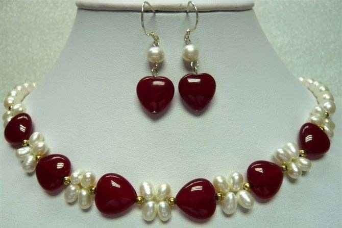 DYYรวดเร็ว+ 2สี!เสน่ห์สีขาวมุกและสีแดง/สีเขียวหัวใจรักหยกสร้อยคอ/ต่างหูชุด(A0516)