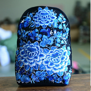 2017 New Floral embroidery backpack!Hot National embroidery embroidered Backpack Top features ethnic canvas Travel rucksack national trend women handmade faced flower embroidered canvas embroidery ethnic bags handbag wml99