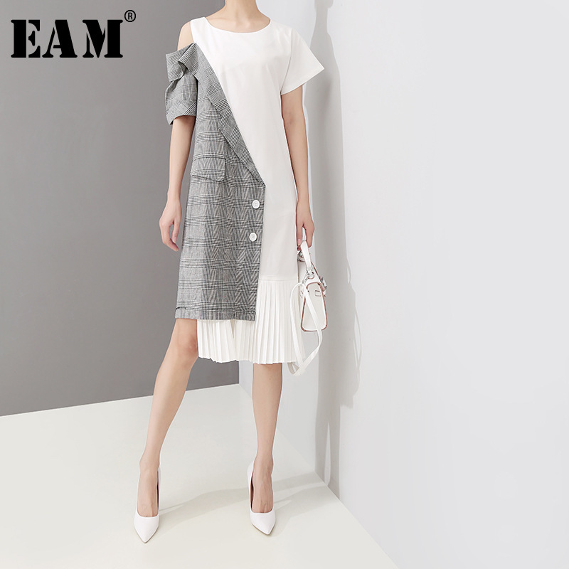 [EAM] 2019 New Spring Summer Round Neck Short Sleeve Plaid Printed Off Shouler Pleated Loose Dress Women Fashion Tide JU843