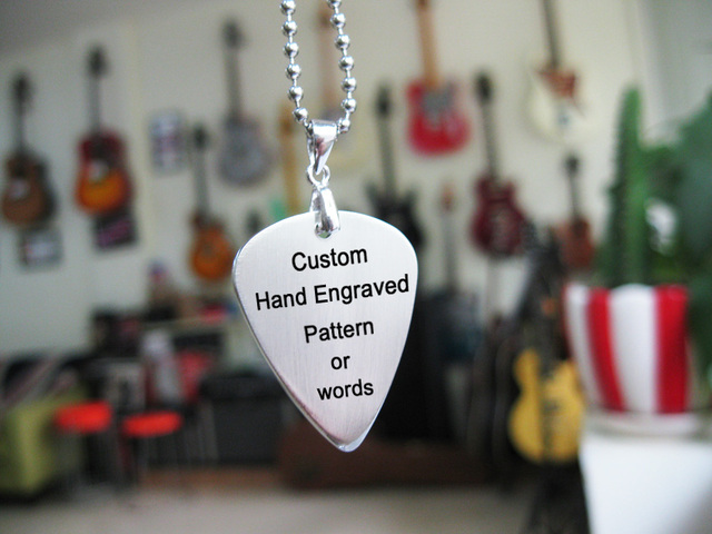 Free shipping handmade customize stainless steel pick necklace engrave pattern or words personality gift souvenir