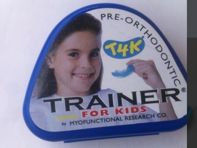 2017 nueva atención de La Salud mrc Niño entrenador de ortodoncia aparatos dentales paréntesis de los dientes t4k entrenador para niños Tirantes de cuidado Oral y soporta
