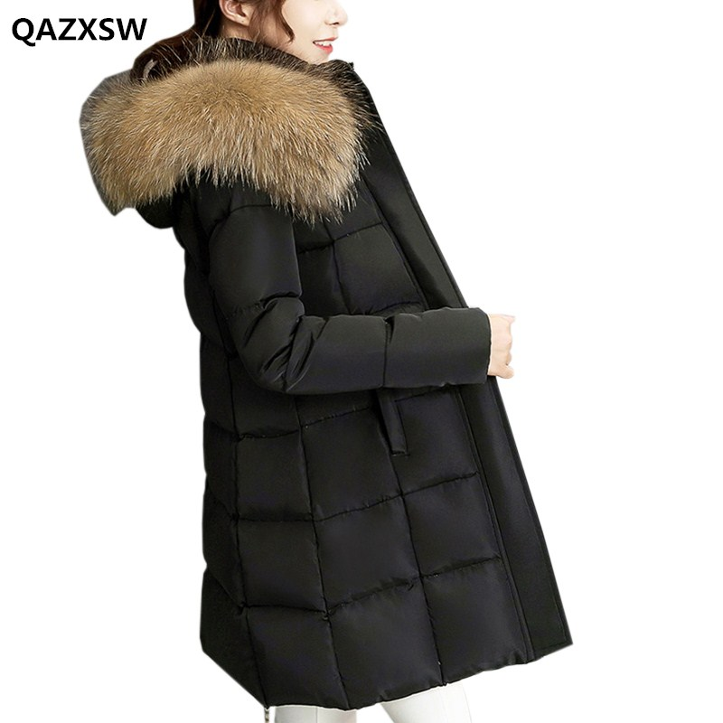 QAZXSW 2017 New Winter Cotton Coats Women Long Parkas For Girl Fur Collar Hooded Coat Outwear Jacket Women Casual Overcoat HB281 qazxsw 2017 new winter cotton coats women hooded jackets slim long parkas for girl thick padded warm casual outwear jacket hb333