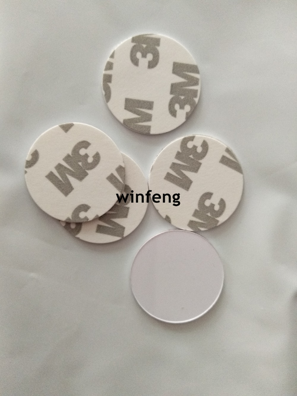 100pcs/lot 25mm PVC 125Khz RFID Tag Small Size TK4100 Passive RFID Coin Disc with 3M Adhesive Sticker for Access Control adhesive sticker tag for clothing size labeling and classification m size 15 x 132