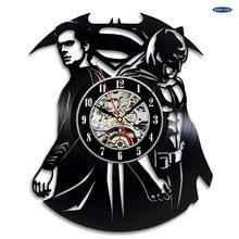 Superman VS Batman arte vinilo Reloj de pared sala de regalo moderno hogar registro decoración Vintage duvar saati