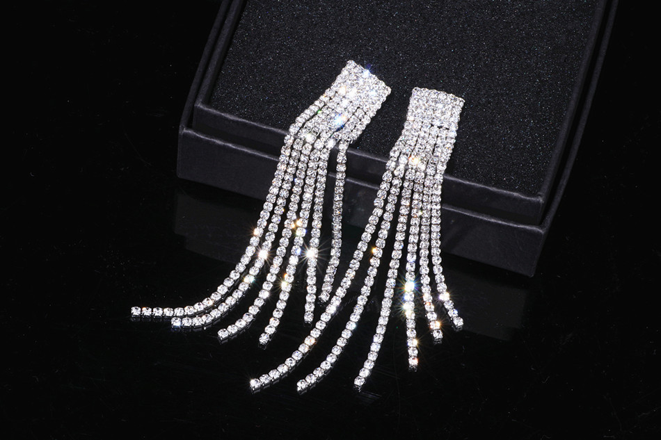 HTB1mIgdXkfb uJkSnfoq6z epXac - New Silver Color Rhinestone Crystal Long Tassel Earrings for Women Bridal Drop Dangling Earrings Brincos Wedding Jewelry WX006