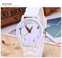 2018 New Fashion White&Black Silicone Watches Women Men Students Dress Digita Wristwatch