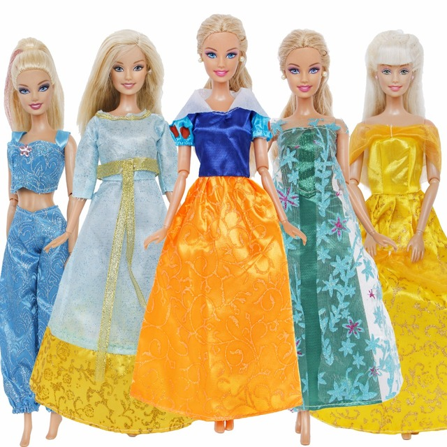 Handmade 5 Pcs   Pack Fairy Tale Dress Copy Snow White Aurora Elsa Princess  Gown Skirt Clothes For Barbie Doll Accessories Gifts 2d525c627a43