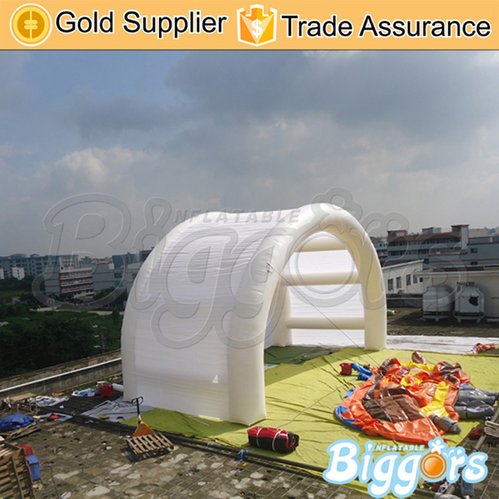 цена White Color Inflatable Tent Car Garage Tent With Fully New Blower