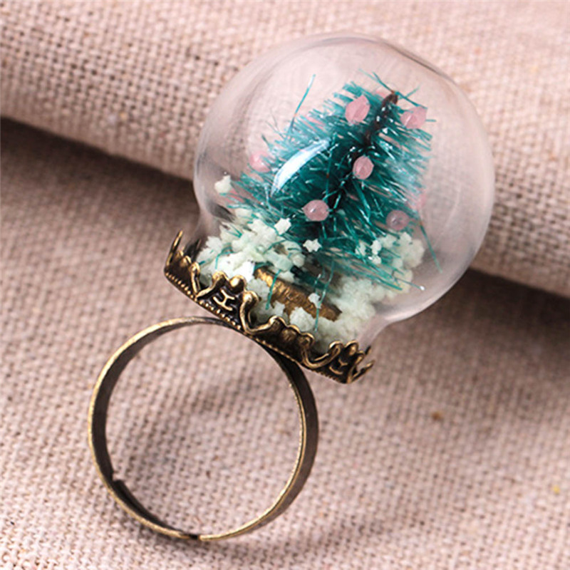 Fashion Glow In The Dark Finger Ring Vintage Party Jewelry Accessory Christmas Tree Glass Snowball Luminous Rings
