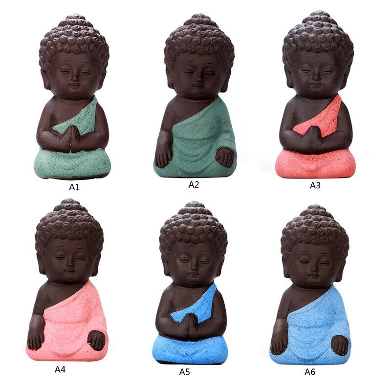 Mini estatuilla monje estatuas de Buda Mandala té mascota artesanías de cerámica budismo Litlle meditación arcilla miniatura budismo chino Reflujo de incienso quemador creativo decoración del hogar cerámica Buda incienso titular incensario budista + 20 piezas conos de incienso regalo gratis