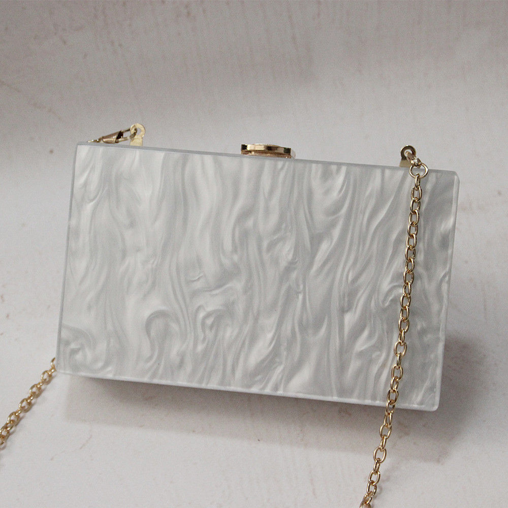 New Wallet Brand Fashion Women Messenger Bag Elegant Pearl Acrylic Clutch Vintage Woman Party Pure White Shoulder Evening bag in Clutches from Luggage Bags