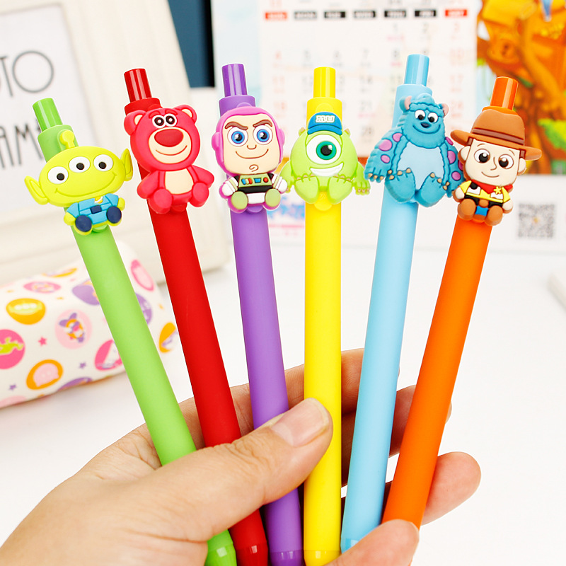 24 pz/lotto Kawaii Del Fumetto Toy Story Monsters Gel Penna 0.5mm Nero Penna del Regalo di Commercio Allingrosso Papelaria Forniture Per Ufficio di Cancelleria24 pz/lotto Kawaii Del Fumetto Toy Story Monsters Gel Penna 0.5mm Nero Penna del Regalo di Commercio Allingrosso Papelaria Forniture Per Ufficio di Cancelleria