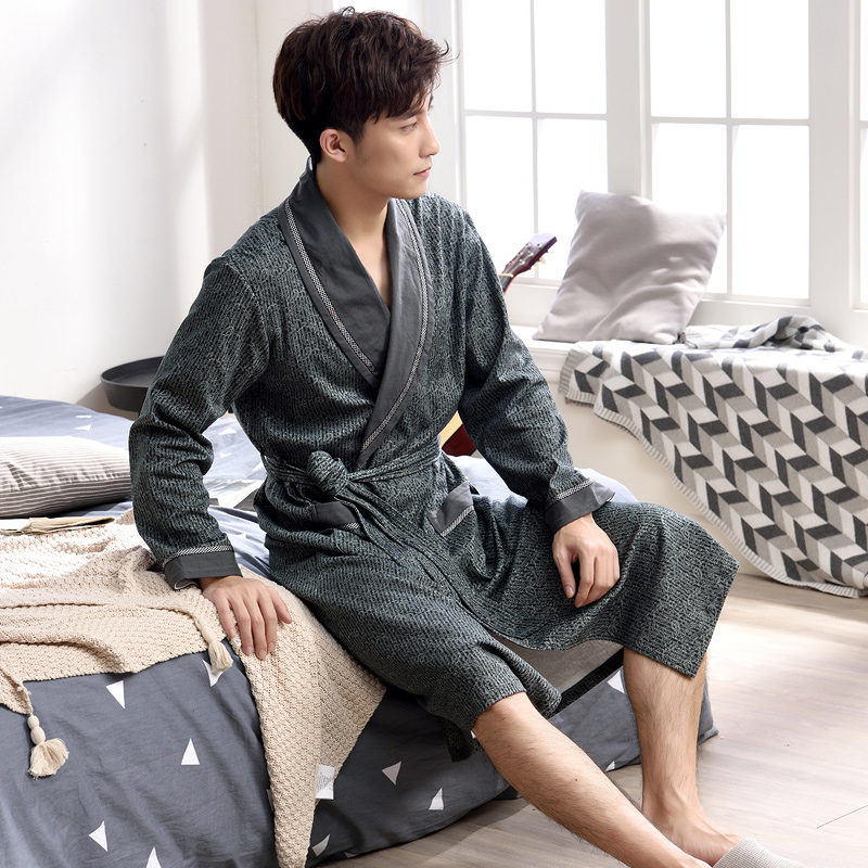 2018 summer pijamas male men luxury bathrobe geometric robes v neck imitation silk knitted sleepwear full sleeve nightwear